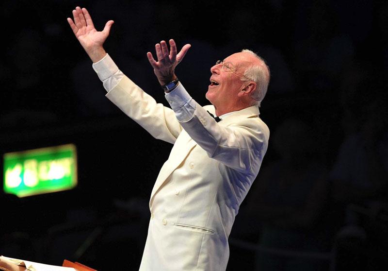 William Christie on clavecin, vocalists, viole de gambe, théorbo